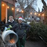 v.l. Alexander Schmidt, Malte Kanus und Stephan Hennies trieben den Weihnachtsbaumverkauf vorran