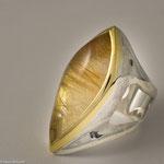 Rutilquarz in Fassung aus Gelbgold und Ring aus Silber • Verkauft