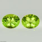 Peridot • 4,95 ct • Spiegel oval • 10/8 mm • Paar • Preis € 460