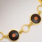 Collierspezialität aus Gold, Saphiren und Palisanderholz • Preis auf Anfrage