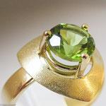 Ring aus Gold mit Peridot • Verkauft