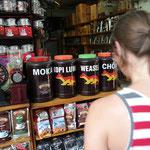 Durch Wiesels Darm gespuelter Kaffee