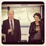 Robert et Hélène Le Bec du magasin E. Leclerc de Carhaix. Après avoir servi l'enseigne pendant 37 ans au sein du groupement, dont 20 ans comme adhérents, ils ont levé leur verre au chemin parcouru et au travail accompli. La Scarmor les salue et souhaite