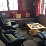 Wohnzimmer mit ausziehbarem Doppelbett