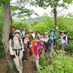 箕作山(372m)山頂にて