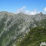 三ノ沢岳山頂からの宝剣、木曽駒西面