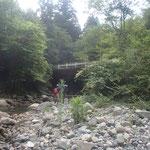 河原でランチタイムとしました。