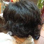 毛先に動きをつけるパーマ ショートボブ