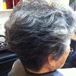 白髪を活かしたスタイル ミセス ショートヘアー