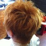 ショートヘアー 毛先に動きをつけたスタイル