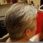 ミセス 白髪 ショートヘアー