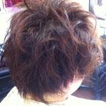 女性ショートヘアー