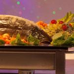 Der Hauptgang beinhaltete von Roastbeef bis zum ganzen Lachs alles was das Herz begehrt