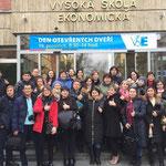 Студенты международного образовательного центра Ahoj!Student на обучении в Праге