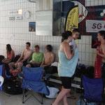 warten auf den Start oder schon geschwommen?