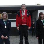 Bronze für Jana, rechts, links Saskia Nettler TSV Wietze, mitte Kathleen Beiser, SV Nienhagen