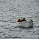 das Rettungsboot kommt zurück...