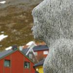 Kunst im Hafen von Honningsvåg