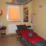 Behandlungsraum Phsyiotherapie / Schlingentisch