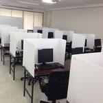 簡易パーティションで区切りますのでテストセンターとしてご利用いただけます。
