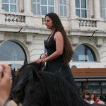 Camille sur ses trois chevaux