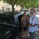 Audrey a hâte de rouler en limousine