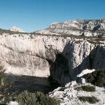 Calanque de la Triperie, c'est à cet endroit que se trouve la grotte souterraine découverte par Henri Cosquer