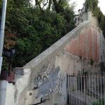 Un ancienne maison de maitre en haut de l'escalier