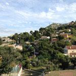 Encore plein de petites maisons dans la colline