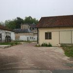 Denis a acquis de nombreux anciens bâtiments