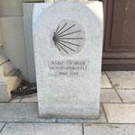 Borne au départ de l'église des Accoules à Marseille