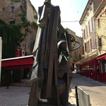 Statue de Nostradamus
