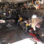 Un amateur de motos à Chasteuil