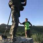 Pause près du pèlerin de Alto-do-San-Roque