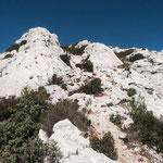 Un peu d'escalade pour atteindre le Plateau de l'Homme Mort