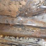 Une ancienne réparation avec une plaque rivetée !!