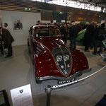 Une Peugeot 302