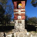 Le monument de la Société des Excursionnistes Marseillais