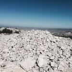 Ce tas de cailloux indique le mont Puget