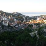 Vue sur Marseille au lever du jour