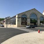 L'immense halle à Saint-Amand-Montron