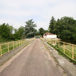 Un petit pont pour accéder à sa propriété