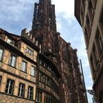 La flèche de la cathédrale se voit de partout