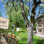 Einfahrt Laglerhof Nußdorf Familie Auer Bauernhof