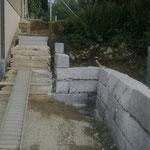 Natursteinmauer und neuer Treppenaufgang Kestenholz 2014