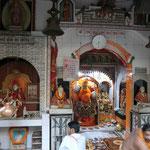 路地のヒンズー寺院
