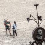 Pilgrims talk on Obradoiro square