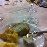 ワインとチーズ、おいしい