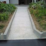 玄関までのスロープ工事(車椅子での進入)