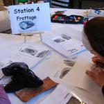 Station 2 und 4: Frottage, Die Technik entdecken,ein Bild gestalten